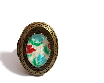 Tulip Cameo Ring-Lovely Ring-Floral Ring-Flower Ring-Cameo Jewelry-Stash Ring-Memorial Ring-Locket Ring-Poison Ring-Girl Gift-Adjustable