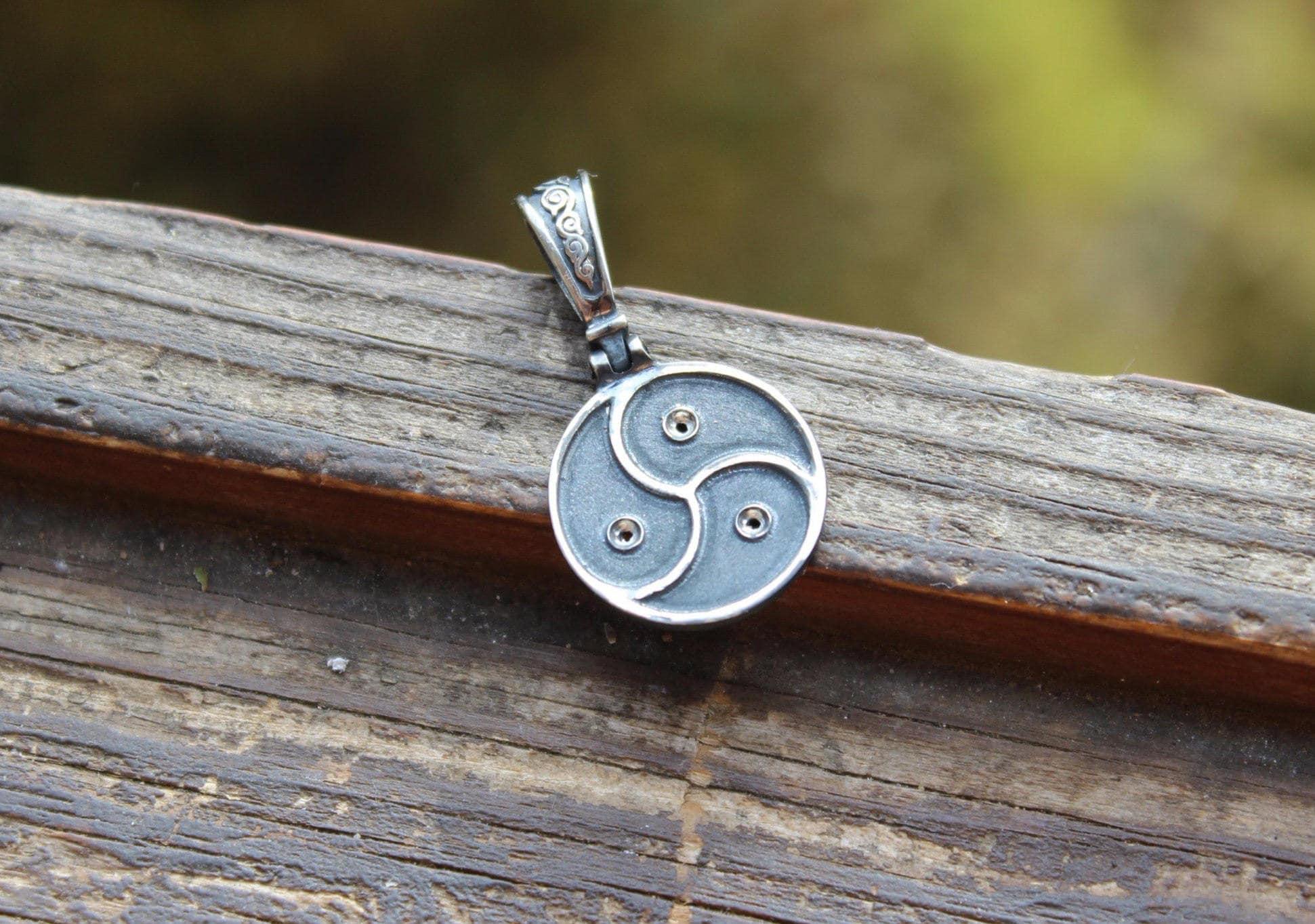 Sterling silver blackening pendant bdsm symbol tryskel zoom biocorpaavc Gallery