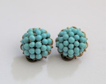 Vintage turquoise earrings. Clip on earrings.  Vintage jewelry