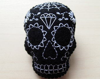 Black sugar skull embroidered felt brooch