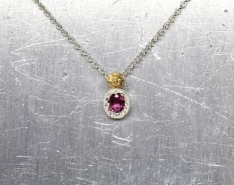 Tiny Pink Ruby Necklace Primitive Cute Ladybug Pendant Silver 22K Yellow Gold Flower Accent Delicate July Birthstone Gift Idea - Marienkäfer