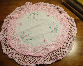 Embroidered Cotton Cloth Table Cover With Double Layer Crocheted Border - Varigated Pink and White