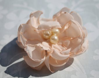 Flower brooch pink and Pearly beads /brooch
