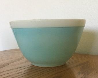 Pyrex Blue Americana 401 (1 1/2 pint) mixing bowl