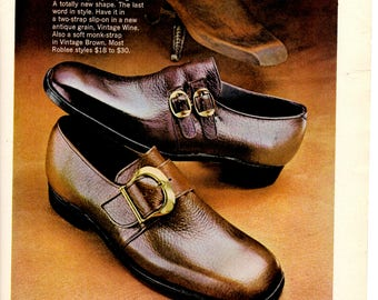 1970 Roblee shoes Vintage magazine Ad wall decor shoe shop (1705)