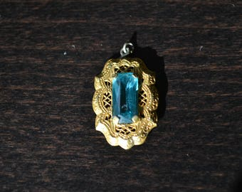 Vintage Aquamarine and Gold Pendant