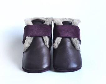 Purple baby booties, Baby girl booties, Baby Christmas gift, Baby winter booties, Baby fur booties, Warm baby booties, Crib booties