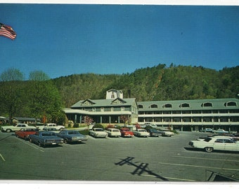 Gatlinburg Motor Inn Great Smoky Mountains Tennessee postcard