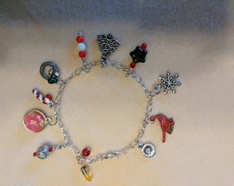 Holiday Bling: A Celebration for Your Wrist!