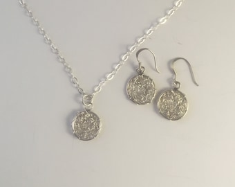 Wire Crochet Silver Circle Gift Set, Earrings & Necklace Set, Crochet Silver Gift Set, Crochet Wire Earrings and Necklace, wire jewelry