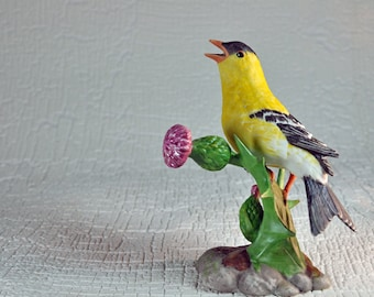 American GOLDFINCH Porcelain Figurine - Birds and Blossoms of the World series -  thistle male bird songbird sculpture