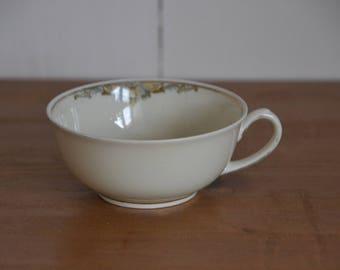 Tea cup Zeh Scherzer porcelain, decorated with gold
