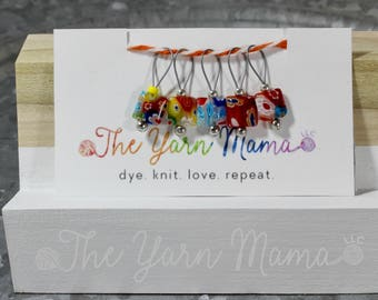 The Yarn Mama LLC set of 5 flexible snag free removable stitch makers with accent bead knitting accessories knitting tools easy to use