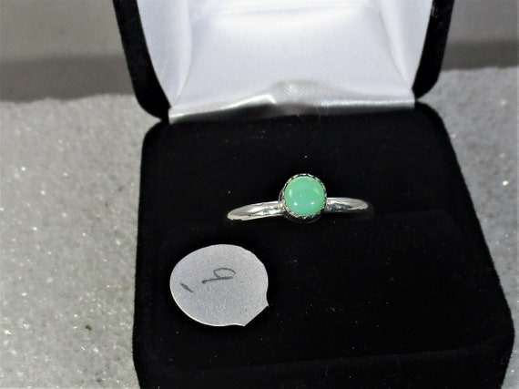 Pretty green Chrysoprase  handmade sterling silver ring size  9