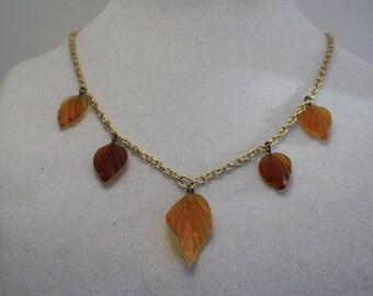Light autumn leaves necklace