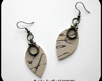 GRAPHIC LINES: gray elegant oval earrings gray inlaid gray graphic lines