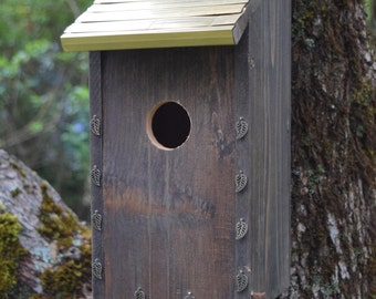 Decorative Bluebird Birdhouse with Bronze Roof. (34)
