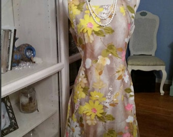 Flower Power Vintage Shift Dress - Free Domestic Shipping