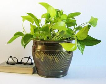"""8.5"""" Large Brass Planter - Vintage Waste Basket - Spiral Design - Indoor Garden Pot - Big Plant Holder - Brass Office Decor - Made in India"""