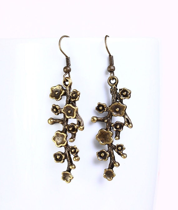 Antique brass blossom filigree drop dangle earrings (522)