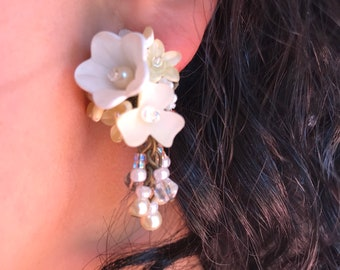 Handbeaded floral dangle earring in off-white by VIntage Jewelry Designer Colleen Toland