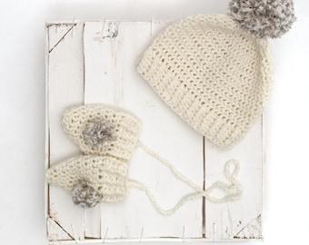 Crochet wool baby hat, , knot hat, gift idea,  , handmade baby hat , winter baby hat, pom pom baby hat