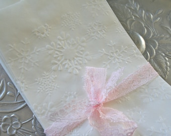 25 Glassine Bags Snowflakes, Favor Bags