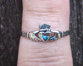 Dainty Vintage 925 Sterling Silver Claddagh Stacking Ring