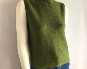 Vintage Women's 70's Olive Green, Sleeveless, Knit, Top (M)