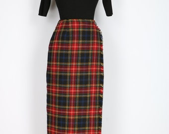 1980s Skirt Kilt - Plaid Wrap Midi Skirt With Fringe - Tartan - Leather Strap Side Closure - Wool - Red Blue Black Yellow - Size Small 26.5""