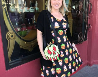 Evil Queen dress inspired by Snow White, a mirror, seven dwarfs and one poison apple!