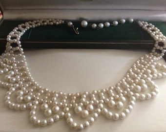 Pretty Vintage Faux Pearl Necklace