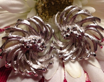 Monet Silver Tone Swirled Flower Clip On Earrings, 1960s, Swirled Flowers, Silver Textured Clip on Earrings,
