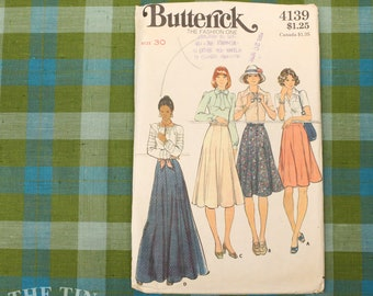 Vintage Sewing Pattern / Women's Eight Gore Skirt Pattern / Butterick 4139 / Waist 30  / Women's Skirt / Full Skirt Pattern / QUICK LIST