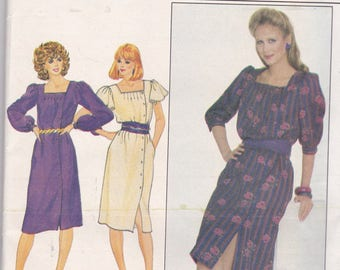 Butterick 4436 Vintage Pattern  Womens Side Button Semi Fitted Dress in Variations Size 8 UNCUT