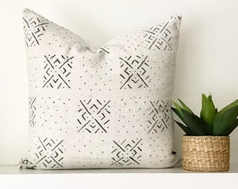 19x19 Mud Cloth Pillow / Cream & Black Mud Cloth Pillow Cover