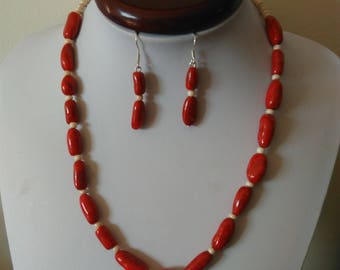 Adornment necklace and earrings, Burgundy and ivory