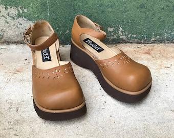 Vintage MUDD Platform Caramel Brown Leather Mary Janes   US WOMEN'S 9