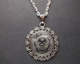 Viet Nam Coin Necklace in Pendant Tray - Viet Nam 2003 Coin Pendant with Chain