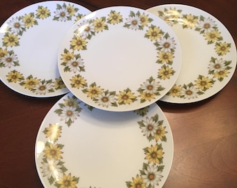 Noritake Marguerite Salad Plates (Set of 4) Yellow and White Daisies Retro