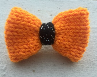 Knit Hairbow--Knitted Hairbow--Hairbow--Halloween--Orange & Black--Halloween Hairbow--Hairclip--Knit Hairclip--Hair Barrette--Barrette-