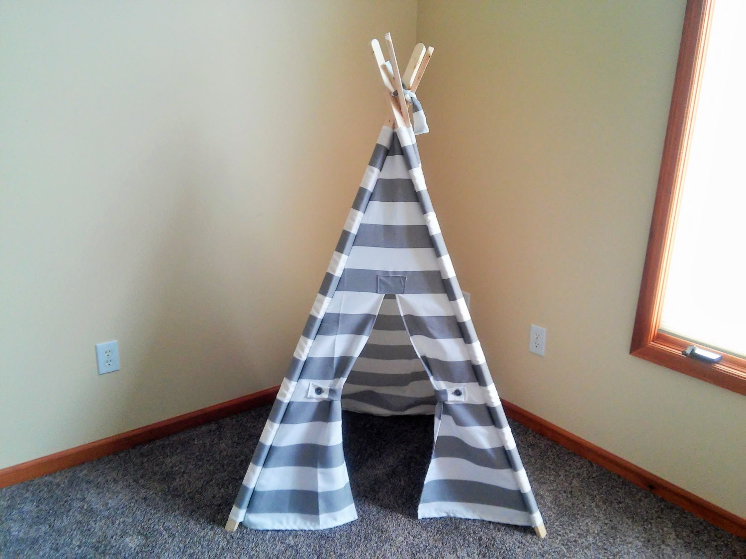 ?zoom & Small Kids Teepee Gray and White Stripe Kids Tent 36