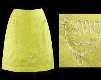 Size 12 Chickens Sport Skirt - Yellow Cotton & Chain Stitching - Folksy 60s Summer Casual Wear - Medium - Preppie - Waist 30 - 44949-6