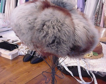 FAB 1950's Genuine Fur Hat / Exquisite Retro Vintage / Smart & Stylish