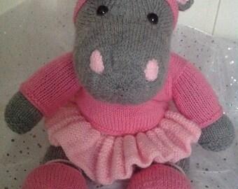 Clarissa the ballerina hippo