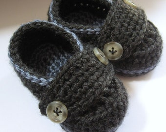 Crochet Baby Booties, Little Button Loafers, baby shoes, crib shoes // Many colors and sizes to choose from // Baby shower gift