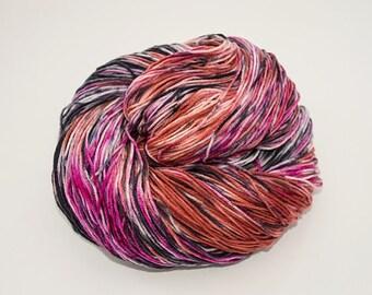 Hand-dyed yarn - Merino/Nylon 4ply  - 100g - Red multi