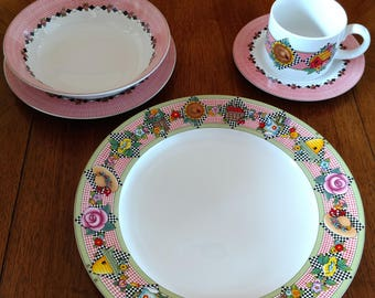 """Mary Engelbreit At Home by Sakura   """"GARDEN TIME""""    20 Piece Set (4 Place Settings) - 1994"""