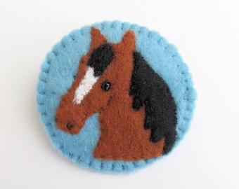felt horse brooch, felt horse pin, horse lover, pony lover, horses head, horse accessories, horse brooch, horse pin, gift for horse lover