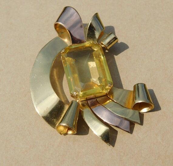 CORO Art Deco Fur Clip